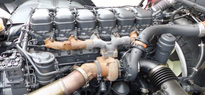 Scania R 450 4x2-Bausattel Motor