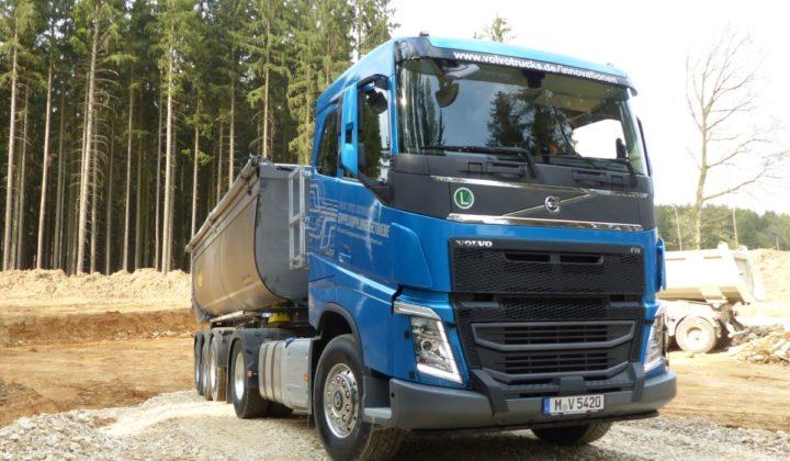 Volvo FH 500 Dual Clutch 4x2 Bausattel