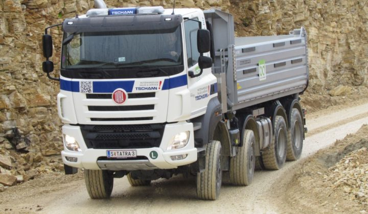 Tatra Phoenix 8x8 mit Zentralrohr-Rahmen