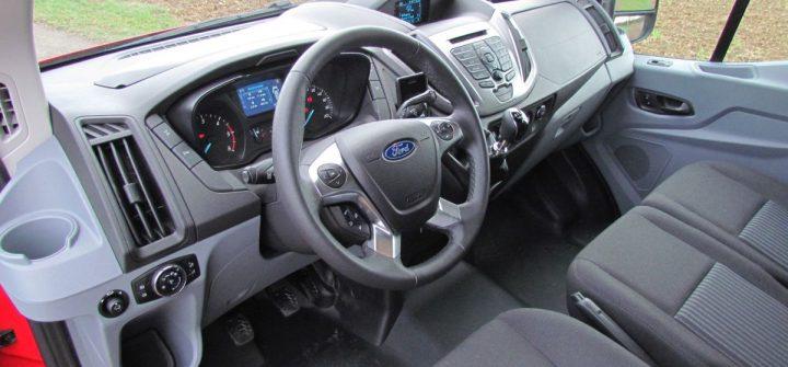 Ford Transit 350 Kasten Allrad Innenraum