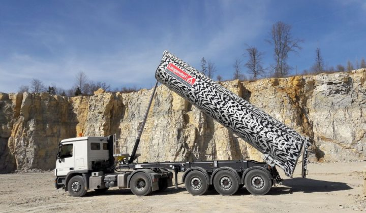 Langendorf Sattelkipper mit individueller Stahl Halbschalenmulde
