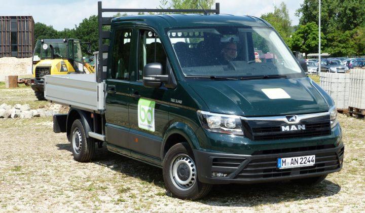 MAN Transporter TGE 3.140 Doka Pritsche