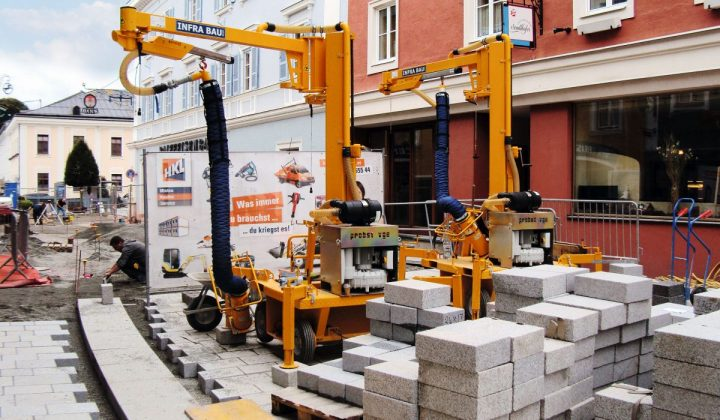 Erd- und Tiebau Speziallist Infra Bau bei der Umgestaltung der Ortsdurchfahrt im salzburgiscchen Radstadt
