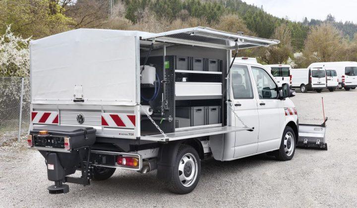 VW Transporter mit Doppelkabine und Pritsche