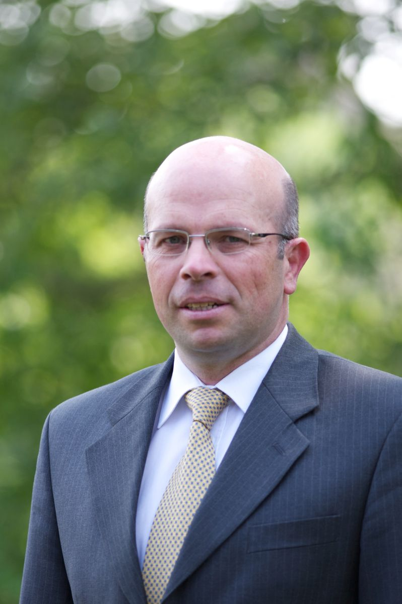 Neuer Sales Manager construction Equipment bei Jean-Philippe Pollet bei Hyundai