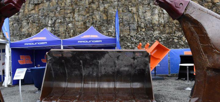Rädlinger Baggerlöffel, Schaufeln und Reißzähne auf der Steinexpo