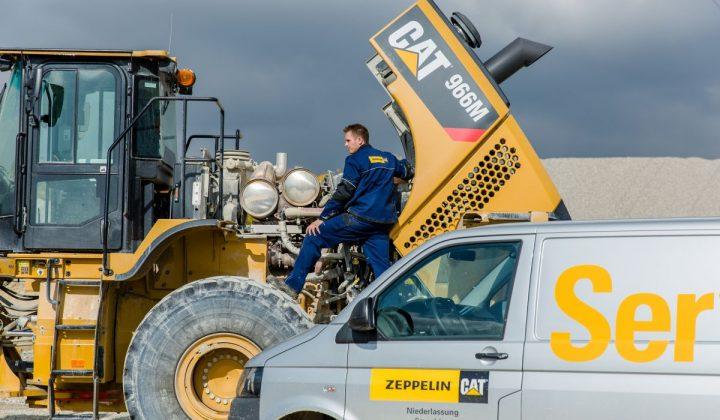 Zeppelin Servicetechniker für Cat-Baumaschinen