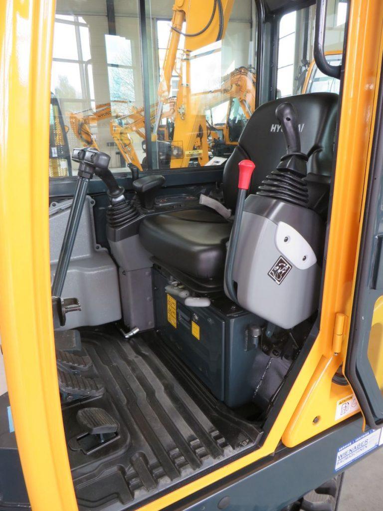 Hyundai Minibagger - Fahr- und Lenksteuerung