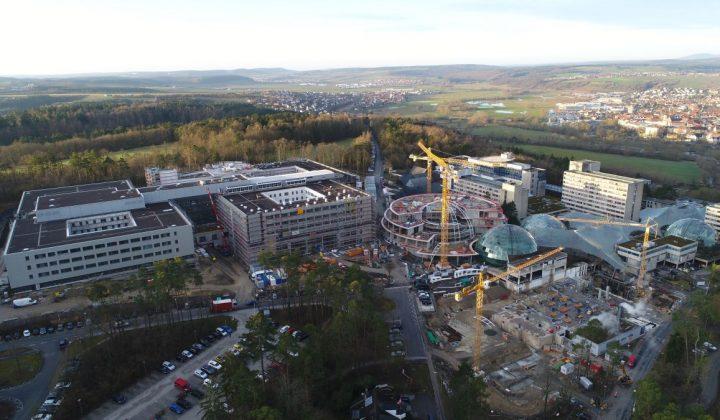 Mittelpunkt des Thön-Klinikum-Campus in Bad Neustadt