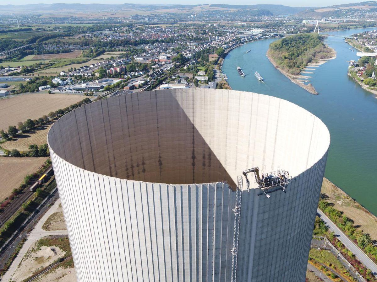 Höchste Digitale Baustelle auf Kühlturm am Rhein