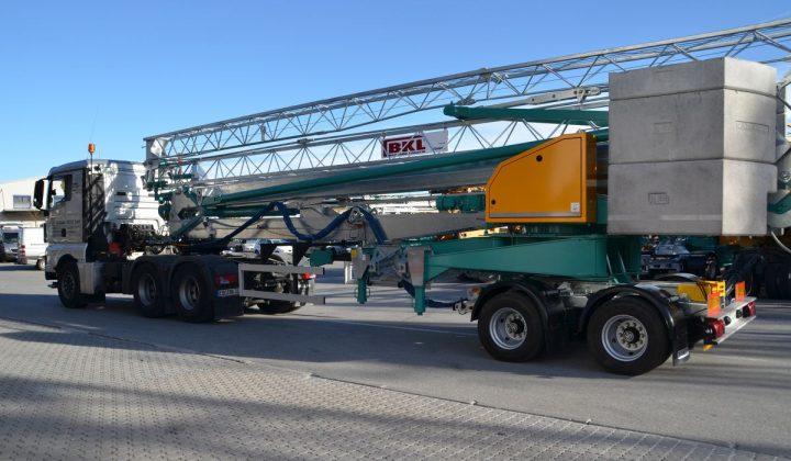 Transport eines Schnelleinsatzkran von BKL