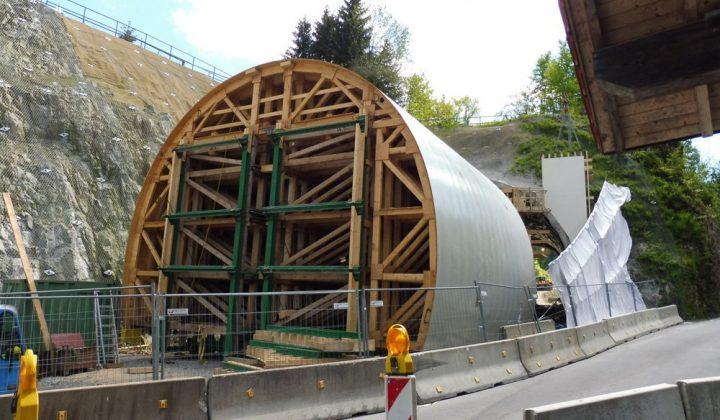 Holz-Sonderschalung bei Tunnelbau