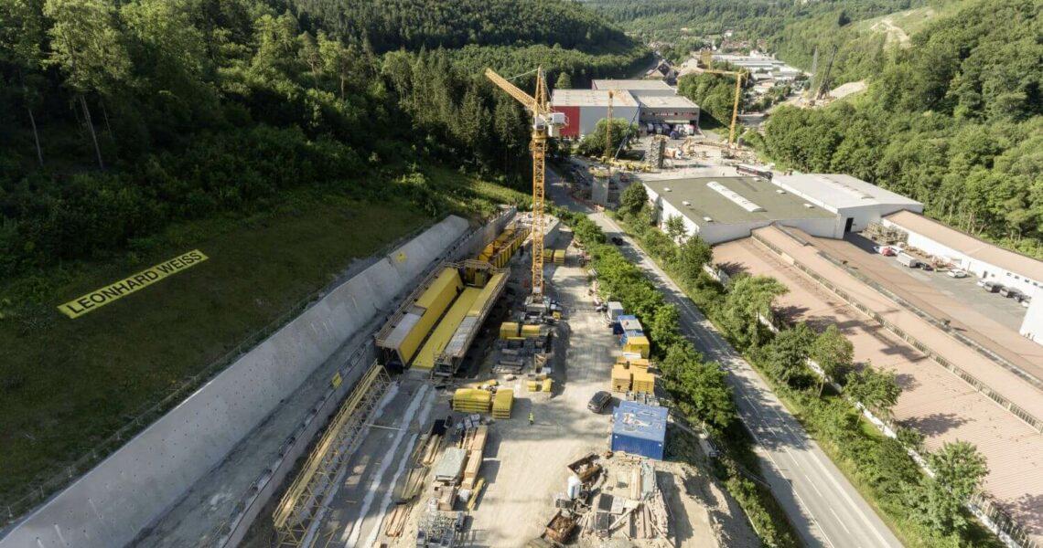 """Tacktschiebeverfahren """"Concremote"""" beim Bau eine Brücke in Heilbronn"""