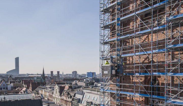 Renovierungsarbeit an der Breslauer Basilika