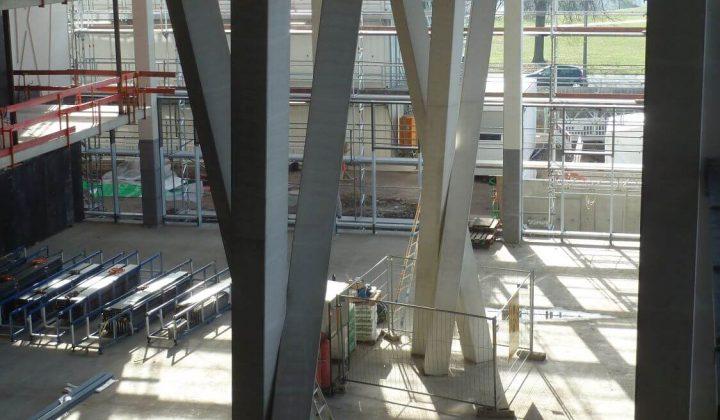 Ineinander verschränkte Dreifach-Stützen der Zentrale von Heidelberg Cement