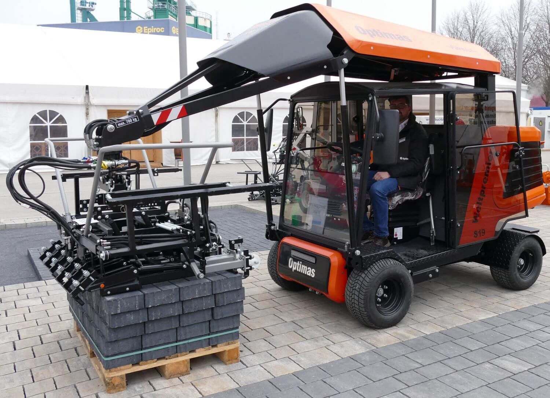 Pflasterverlegemaschine mit E-Motor von Optimas