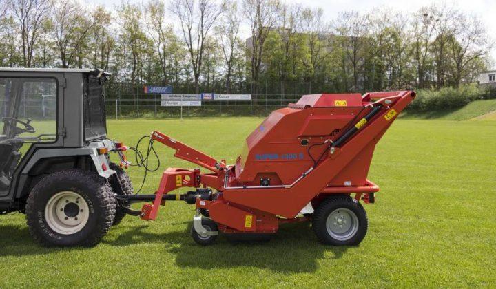 Rasenkehrmaschine für Kleintraktoren