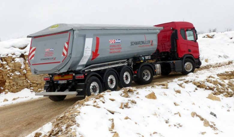 Scania R 500 XT 4x2 Bausattel mit SAF-Trak-Aufliegerachse