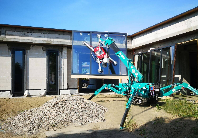 Minikran von Uplifter im Baustelleneinsatz