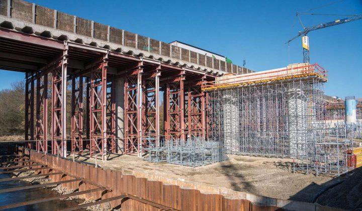 Düte-Autobahnbrücke während des Neubaus