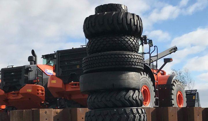 Bohnenkamp-Reifenturm in der Baumaschinenwelt Coreum