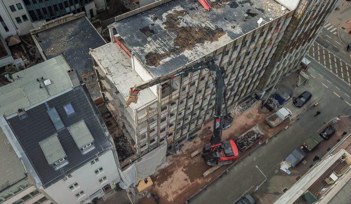 Abriss eines Gebäudes in der Frankfurter Innenstadt