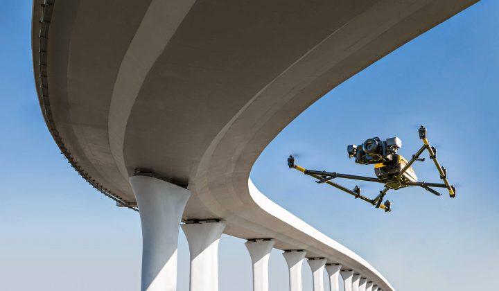 Brücken-Screening mit Oktokopter Falcon 8+