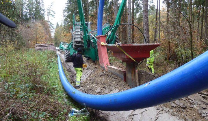 Leitungsverlegung mit Föck-Verlegepflug
