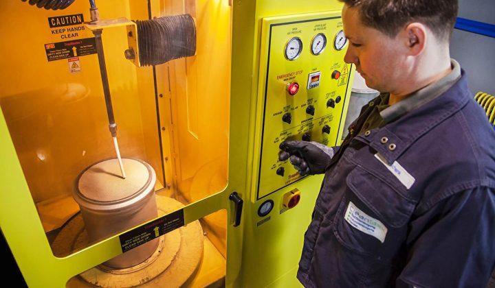 Dieselpartikelfiltereinigung bei der Firma Cleantaxx