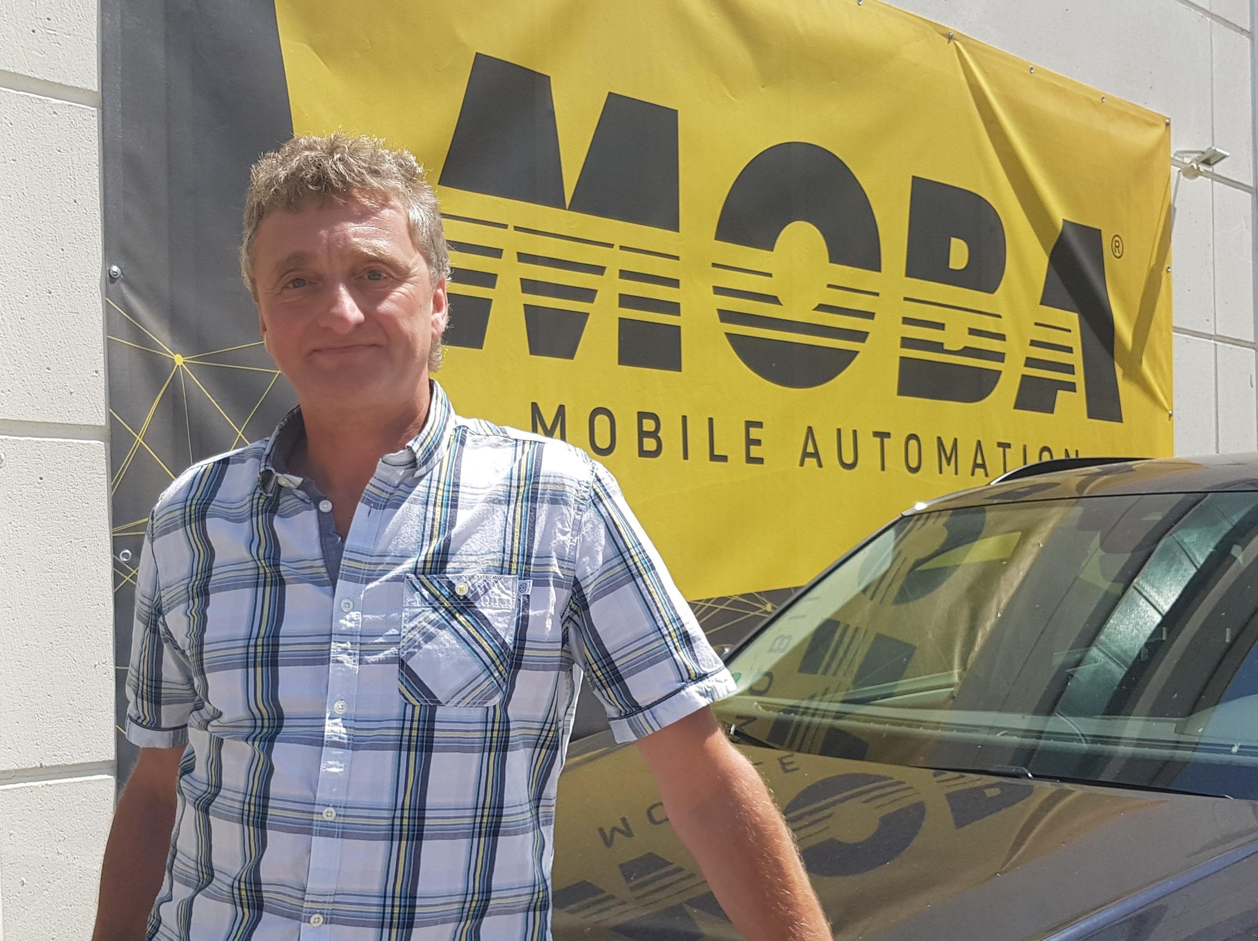 MOBA, Guido Schmid